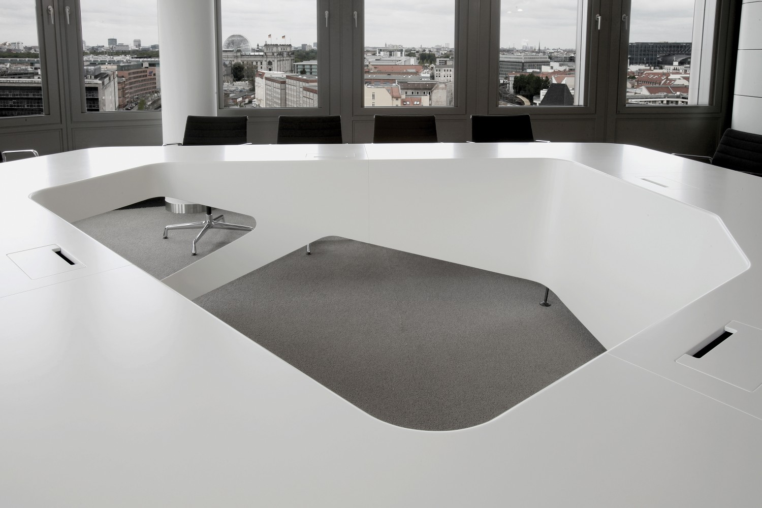 Kinzo EY Boardroom - Corian conference table